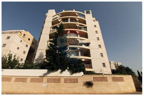 מסודר דירות למכירה בנתניה- דירת 5 חדרים בקרית השרון - רימקס נתניה QX-83